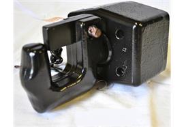 Hakenkupplung 4.5 to LB 83x56 M12 gefedert