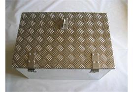 Werkzeugkiste Alu Tränenbl. 572 x 371 x 335 (BxHxT) mit Riegelverschluss